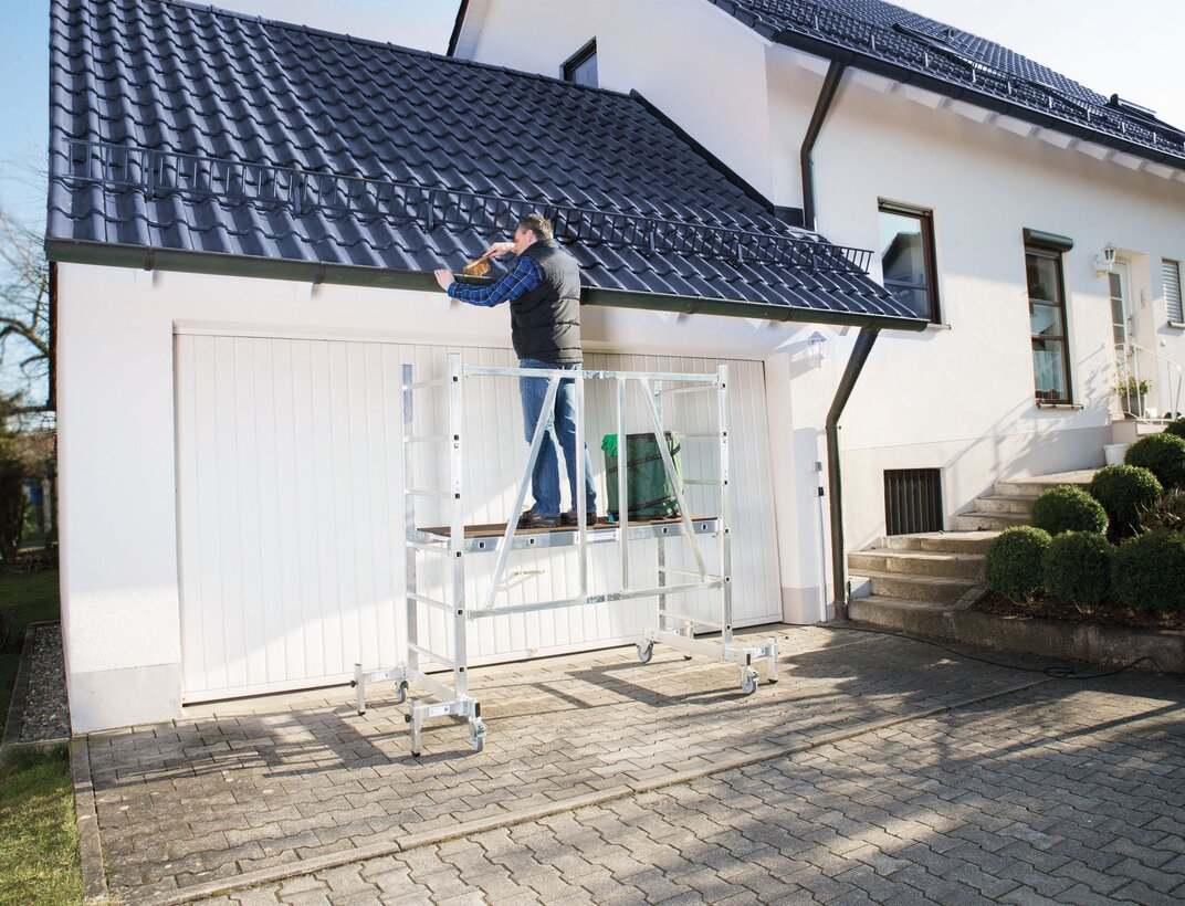 The ML scaffolding from Günzburger Steigtechnik can be assembled in next to no time and quickly stored away again. It also fits through any door when assembled.  | © Günzburger Steigtechnik GmbH